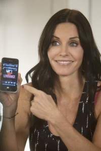 Cougar Town – Laurie Solves Racism