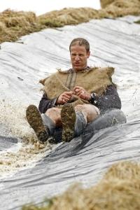 tar muddy